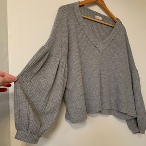 Bubble sleeve cropped gray sweater
